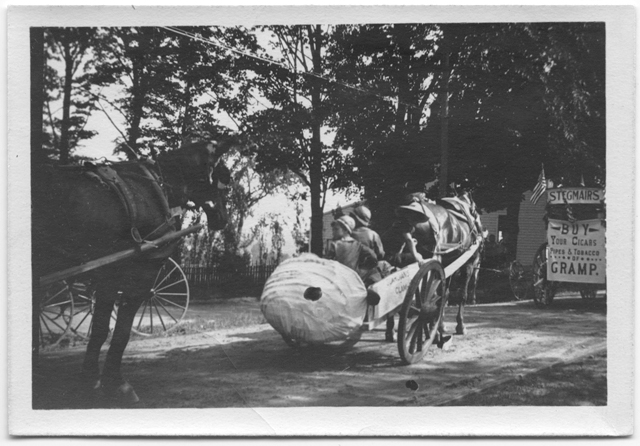 Clam float, Fourth of July parade, 1910