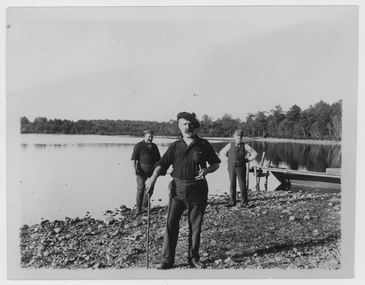Eben Plimpton and two men, Silver Lake in background, no date