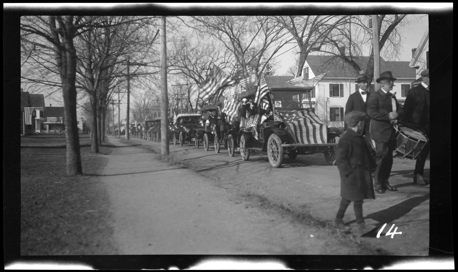 Marchers and cars in the Welcome Home parade, October 18, 1919.